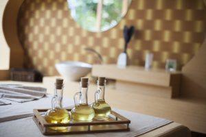 Os óleos essenciais que uso têm óleo de amêndoa doce, hortelã e óleos de folhas de hortelã-pimenta